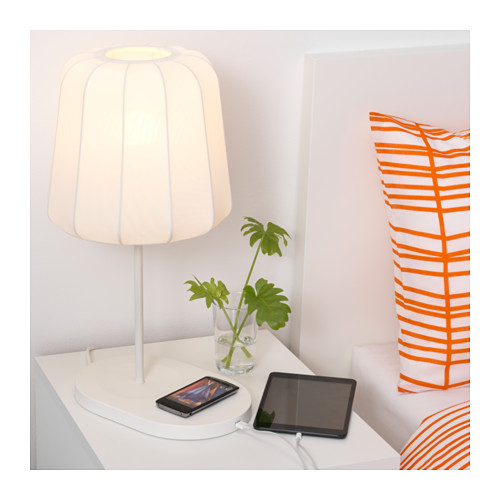 varv-table-lamp-with-wireless-charging__0314485_PE514310_S4