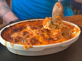 Ravioles au gratin of the red label with tomato sauce